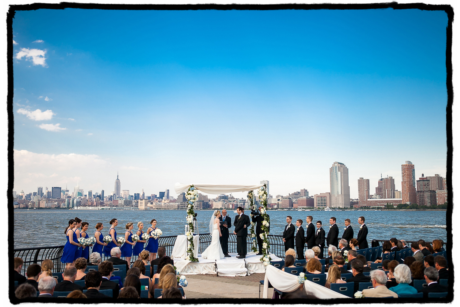 Gena & Josh's guests were treated to a stunning view across the hudson river at The Hyatt in Jersey City.